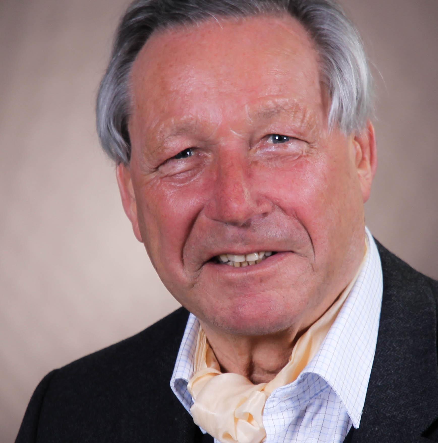 Prof. Prof. h.c .Dr. Hartmut Gaese